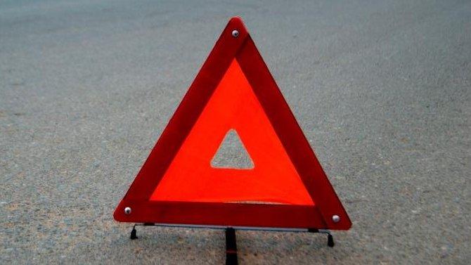 В ДТП с грузовиком под Новосибирском погиб человек
