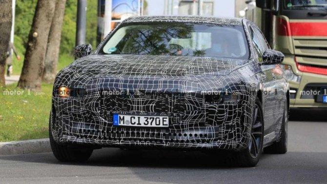 Появилась свежая информация обэлектроседане BMW i7