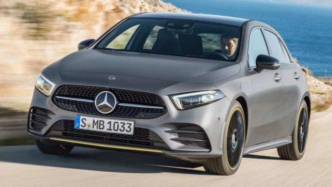 Mercedes-Benz опять «посыпался»