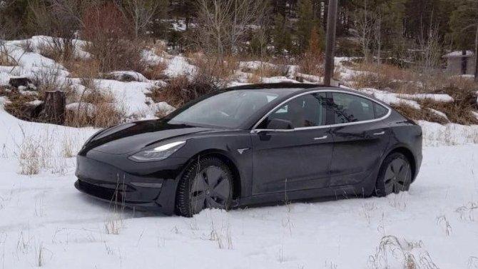 УTesla Model 3 «садятся» аккумуляторы наморозе