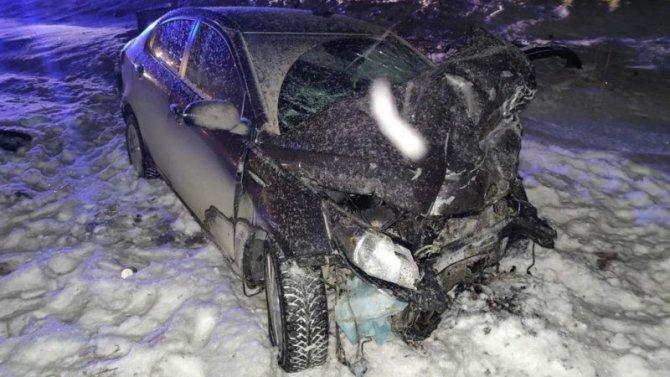 В ДТП в Ялуторовском районе Тюменской области погибли два человека