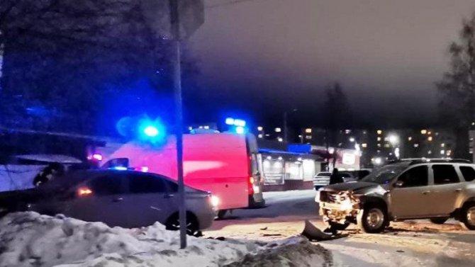 В ДТП в Костомукше пострадали два водителя