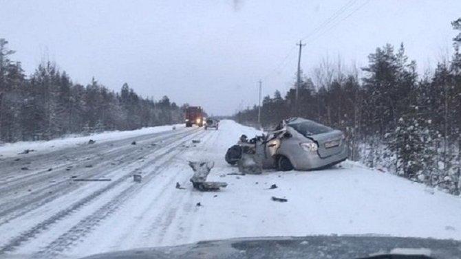 Водитель погиб в ДТП с КамАЗом под Ноябрьском
