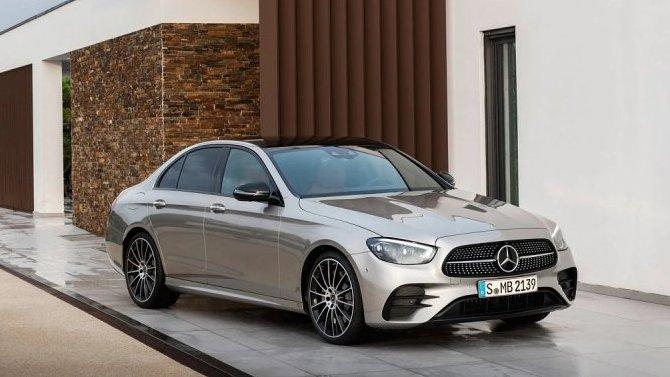 Удвух моделей Mercedes-Benz выявлены проблемы сэлектропроводкой