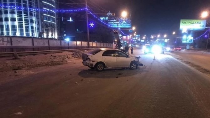 Мужчина и девочка пострадали в ДТП в Новосибирске