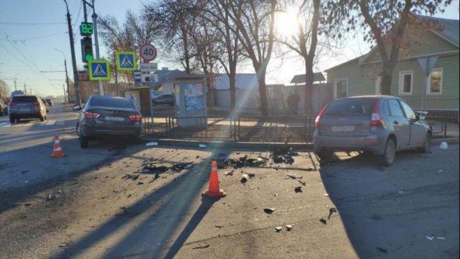 Двое взрослых и ребенок пострадали в ДТП в Тамбове