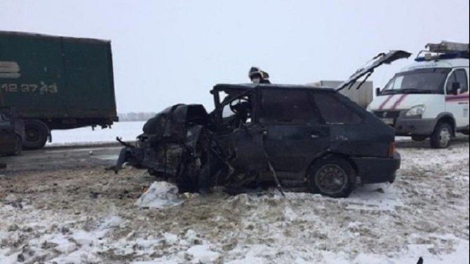 19-летний водитель без прав погиб в ДТП в Ростовской области