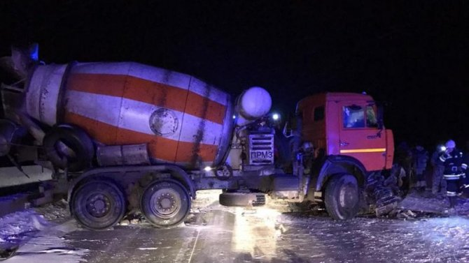 В ДТП с бетономешалкой в Волгоградской области погиб человек
