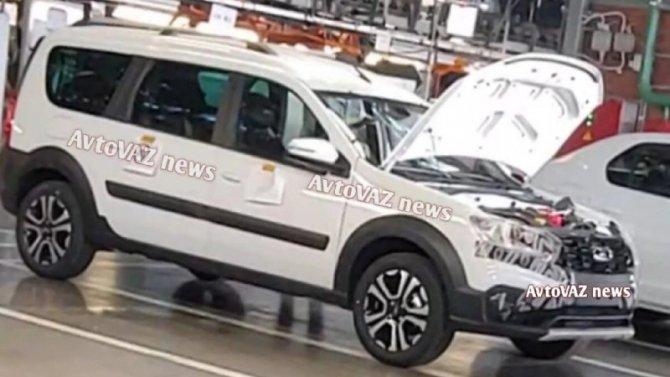 Появились подробности об оснащении Lada Largus FL