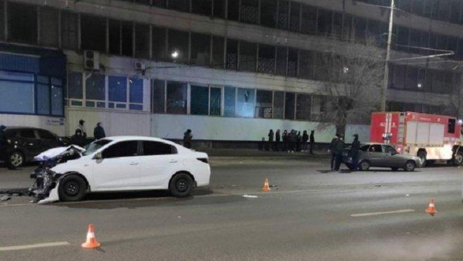 В ДТП в Волгограде погиб водитель ВАЗа
