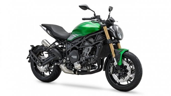 Фирма Benelli представила два новых мотоцикла
