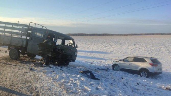 Семь человек пострадали в ДТП в Тюменской области