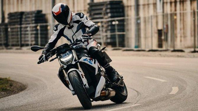 Представлен обновлённый BMW S1000 R
