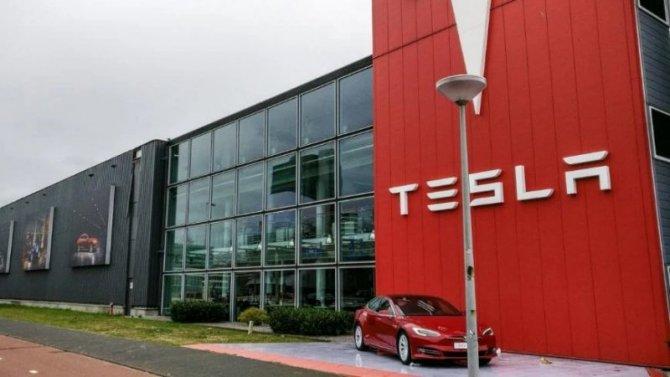 Экс-сотрудника Tesla осудили заразглашение коммерческой тайны