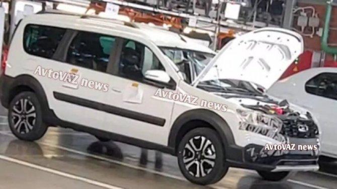 Увеличено предсерийное производство Lada LargusFL