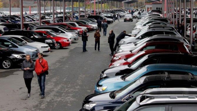 Сколько лет российские автомобилисты владеют своими машинами?
