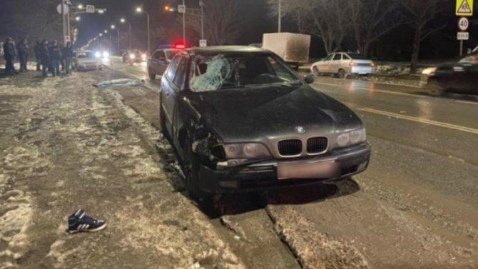 «БМВ» вСимферополе сбил насмерть несовершеннолетнего пешехода