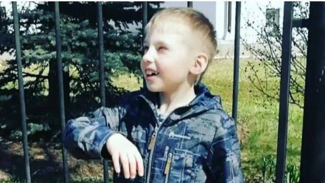 Мальчик, потерявший ваварии под Рязанью обе ноги иправую руку, показывает пример жизненной стойкости