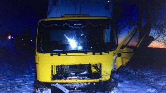 Водитель KIA погиб вСтаврополье из-за безумца нагрузовике, который выскочил навстречку
