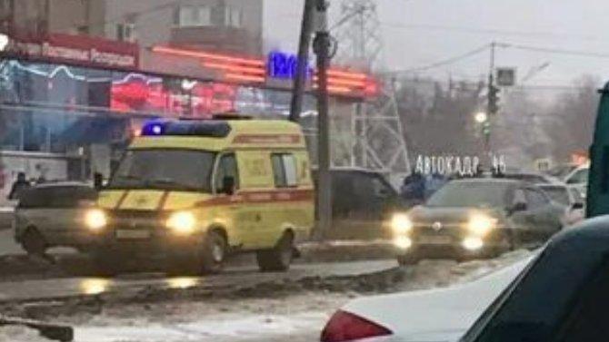 Возле магазина «Полет» вКурске автомобиль сбил ребенка
