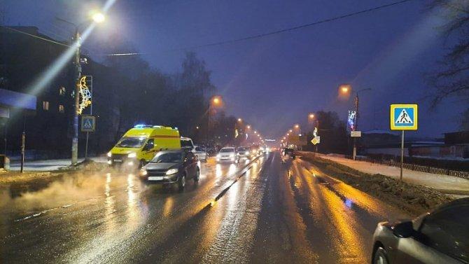 В Тульской области водитель сбил двух пешеходов и скрылся