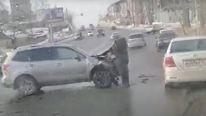 Авария сучастием «Субару Форестер» воВладивостоке