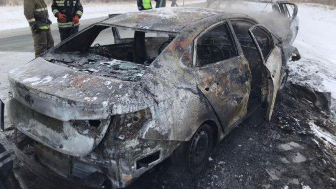 Натрассе Орск-Новоорск трое погибших, после столкновения автомобили загорелись