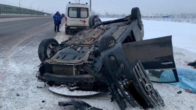 При столкновении Nissan сбольшегрузом, водитель легковушки погиб