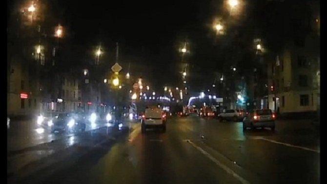 В Петербурге грязный дорожный знак спровоцировал несколько ДТП
