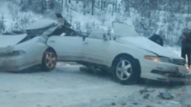 Водитель иномарки погиб в ДТП в Иркутской области