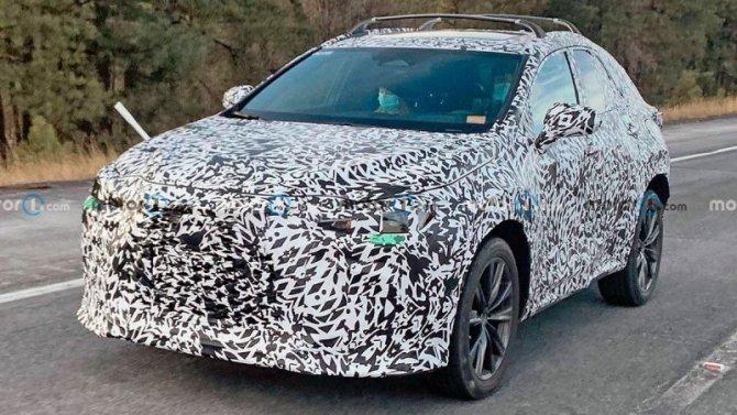 Начались испытания обновлённого кроссовера LexusNX