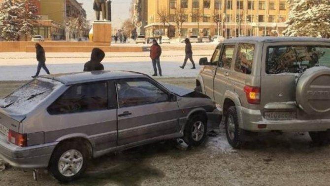 Водитель пострадавшей машины вБрянске взывает кочевидцам запомощью