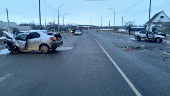 58-летний мужчина погиб врезультате столкновения двух легковушек вМордовии
