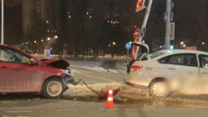 Коварный желтый свет стал причиной аварии вБелгороде