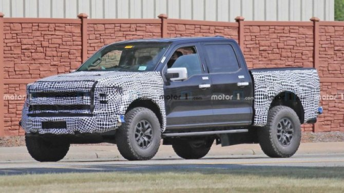 Надорогах вновь замечен прототип обновлённого Ford F-150 Raptor
