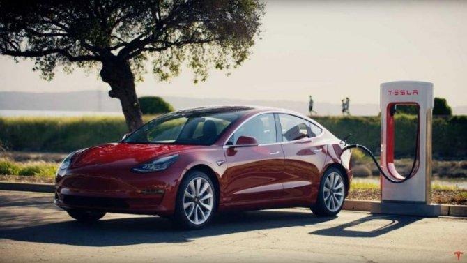 Сколько стоит зарядка электромобиля Tesla?