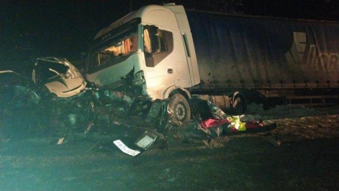 Два человека погибли в массовом ДТП в Тюменской области