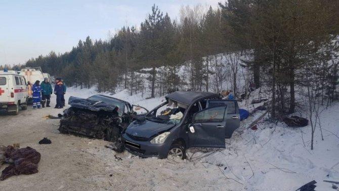 Отец с маленькой дочкой погибли в ДТП в Иркутской области