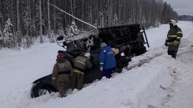 Три молодых человека погибли в ДТП в Архангельской области