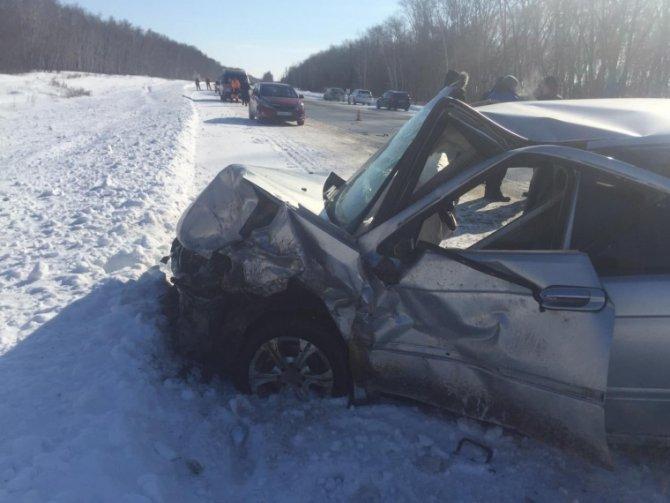 Водитель ВАЗа погиб в ДТП под Омском (3)