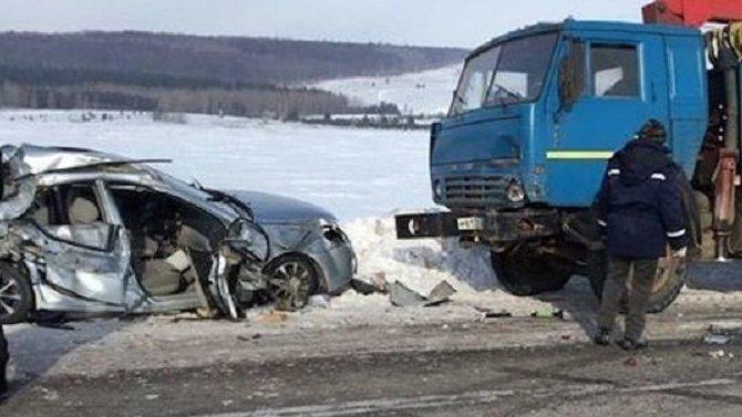 В ДТП с грузовиком в Альметьевском районе Татарстана погиб человек