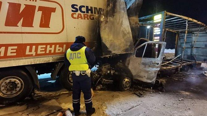 Водитель «Газели» погиб в «огненном» ДТП в Свердловской области