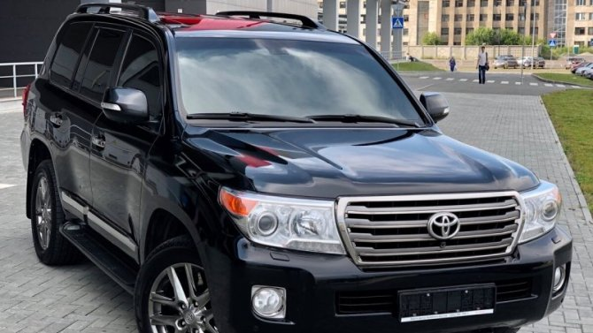 Внедорожники Toyota иLexus массово отправятся наремонт