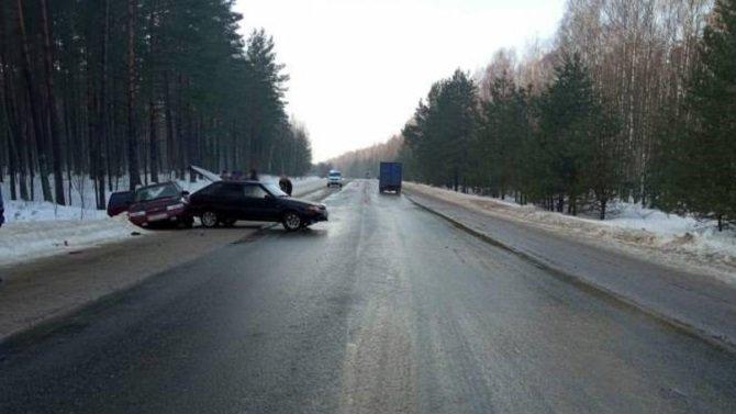 23-летний водитель ВАЗа пострадал в ДТП в Трубчевском районе Брянской области