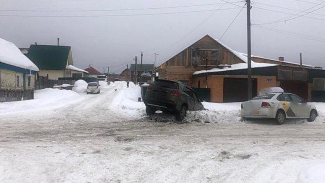 ВТомской деревне отстолкновения двух иномарок пострадала девочка
