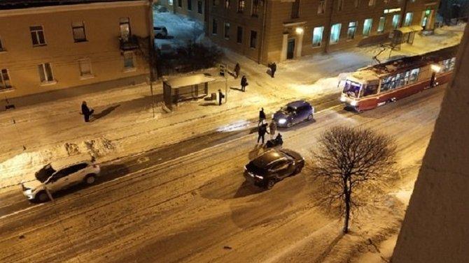 В Приморском районе Петербурга сбили пешехода