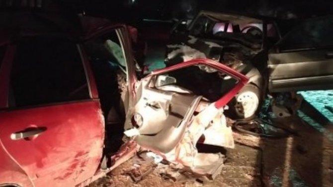 Три человека пострадали вПензенской области отстолкновения двух отечественных легковушек