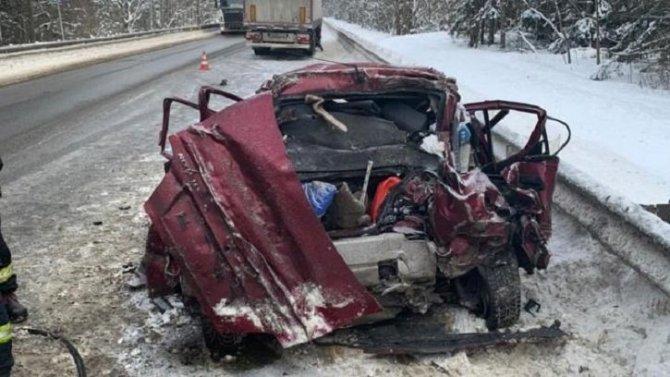 Три человека погибли в ДТП в Тихвинском районе Ленобласти