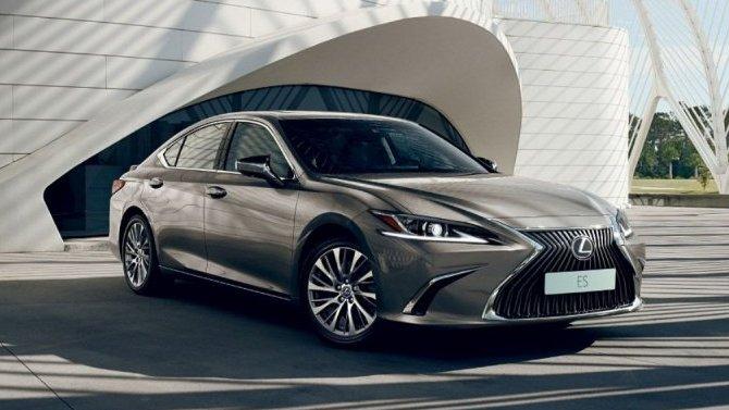 ВРоссии скоро начнутся продажи LexusES ссистемой Connected Services