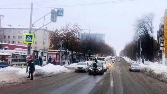 ВСамаре водитель сбил школьника искрылся сместа происшествия